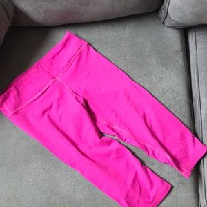 American Apparel hot pink workout capris